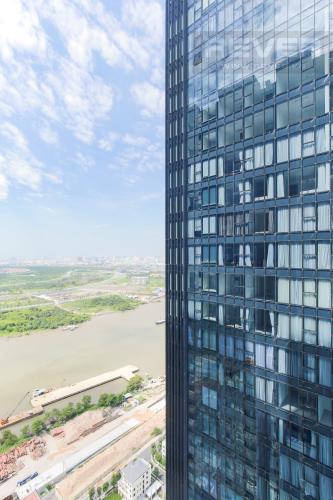 View Bán hoặc cho thuê căn hộ Vinhomes Golden River 2PN, tầng cao, đầy đủ nội thất, view sông Sài Gòn