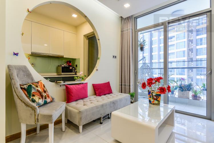 Phòng Khách Căn hộ Vinhomes Central Park tầng trung view sông 2PN, full nội thất