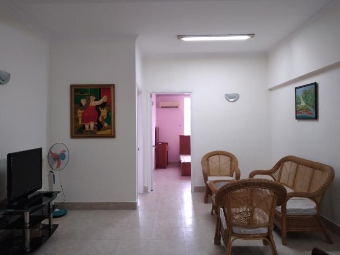 Căn hộ chung cư Nguyễn Ngọc Phương tầng trung, view thành phố.