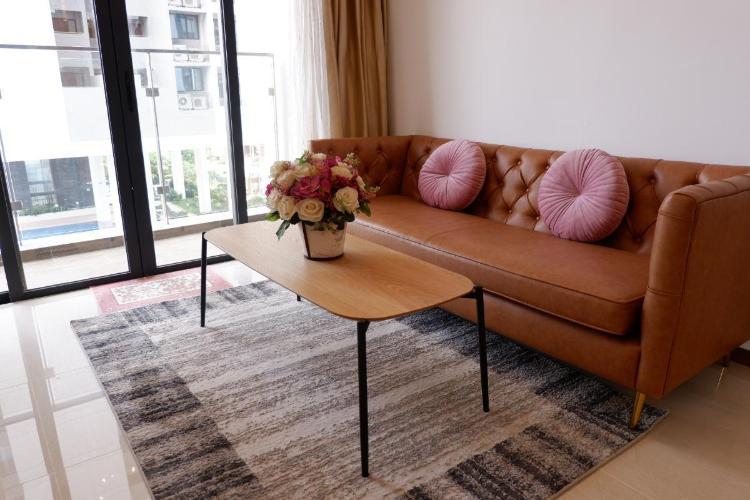 Căn hộ Đảo Kim Cương ban công đón view nội khu, đầy đủ nội thất.
