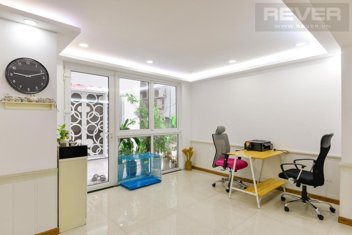 Phòng khách Bán shophouse Hoàng Anh Gia Lai 1, diện tích sàn 127m2, nội thất cao cấp, đã có sổ hồng