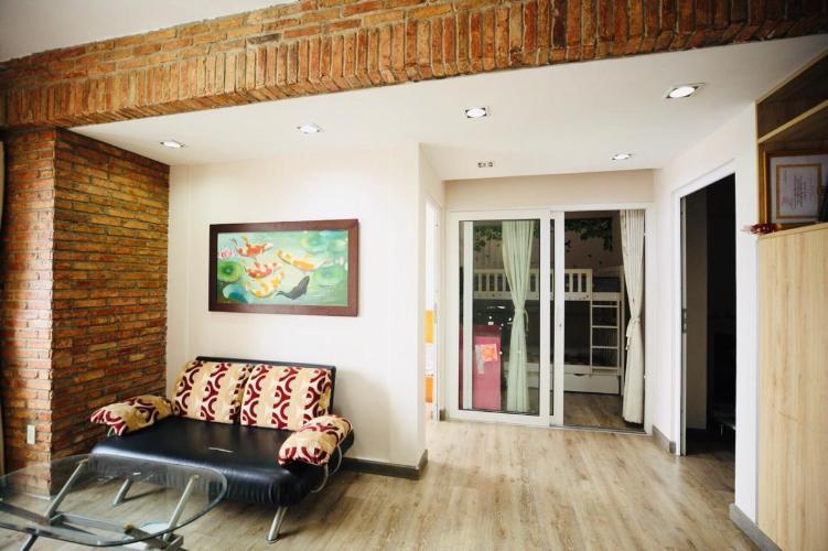 Căn hộ chung cư B5 tầng 9 cửa hướng Bắc, nội thất đầy đủ.