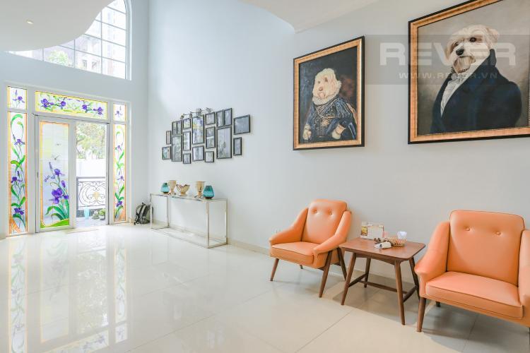 Phòng Khách Tầng Trệt Nhà phố đường Lê Văn Lương, Quận 7, 3 tầng, nội thất đầy đủ, sổ đỏ chính chủ