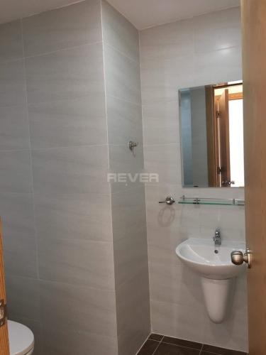 Phòng tắm Starlight Riverside, Quận 6 Căn hộ Starlight Riverside tầng trung, view thành phố.