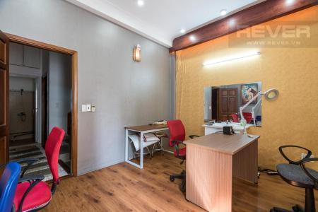 Cho thuê nhà 3 tầng hẻm 1 sẹc Quận 3, cách MT Nguyễn Đình Chiểu chỉ 30m, đối diện chợ Bàn Cờ, diện tích sàn 153m2