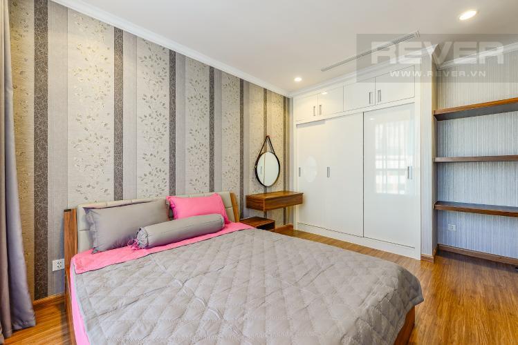 Phòng ngủ 1 Căn hộ Vinhomes Central Park tầng thấp Landmark 2 đầy đủ nội thất