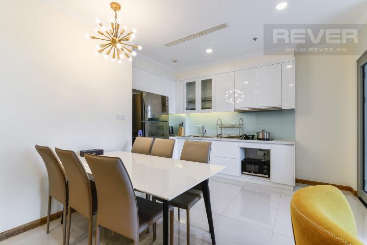 Phòng Ăn & Bếp Bán căn hộ Vinhomes Central Park tầng cao, 2PN, đầy đủ nội thất