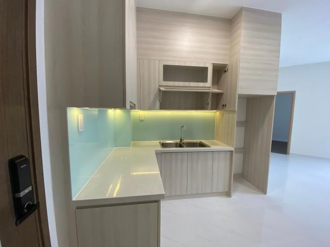 Phòng bếp căn hộ Safari Khang Điền Căn hộ view hồ bơi Safira Khang Điền tầng thấp, diện tích 63m2.
