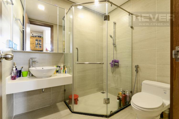 Phòng Tắm 1 Bán hoặc cho thuê căn hộ Vinhomes Central Park 2PN tầng trung tháp Park 7, đầy đủ nội thất cao cấp