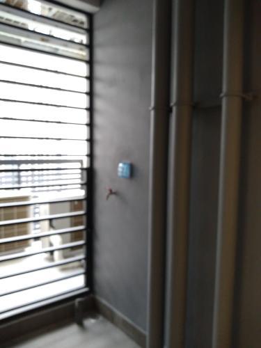 Logia căn hộ Vinhomes Grand Park Căn hộ Vinhomes Grand Park tầng 31, view thành phố, tiện ích đa dạng.