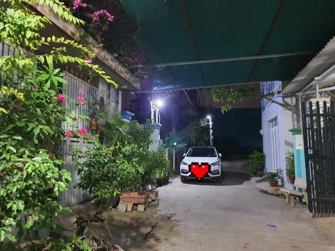 Bán nhà đường 33, Long Thạnh Mỹ, Quận 9, hướng Nam, liền kề đường Nguyễn Xiển