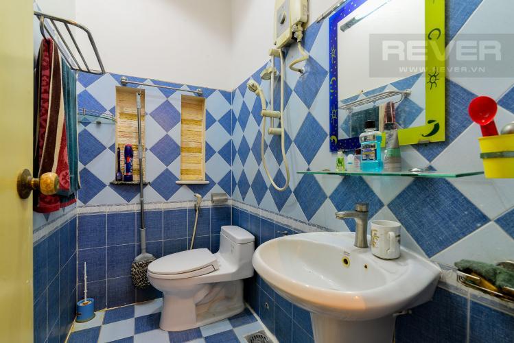Phòng Tắm 2 Cho thuê nhà phố hẻm Nguyễn Thiện Thuật, 2 tầng, 5 phòng ngủ, cách Ngã 6 Lý Thái Tổ 700m