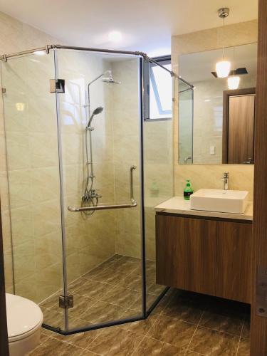 Nhà vệ sinh Saigon South Residence Căn hộ Saigon South Residence tầng trung, đầy đủ nội thất, view sông.