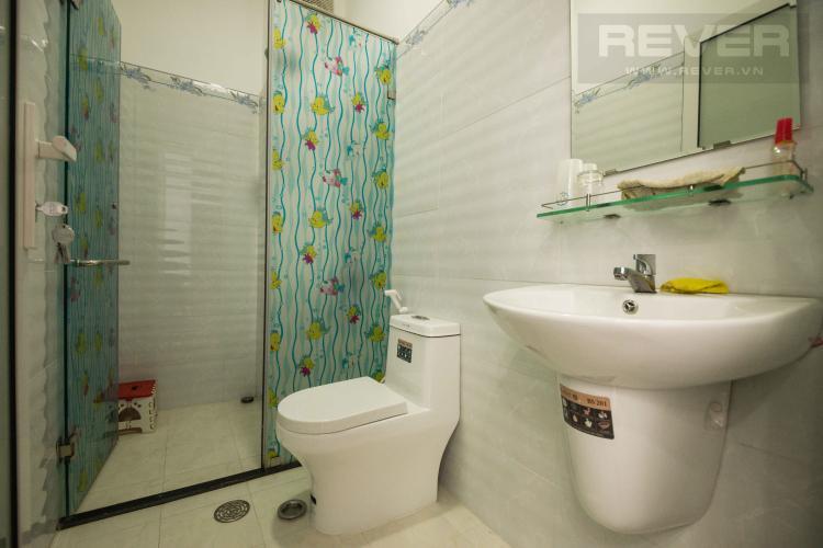 Toilet 1 Bán nhà phố 4 tầng đường Nguyễn Trung Nguyệt, Q2, diện tích đất 186m2, cách đường Nguyễn Duy Trinh 150m