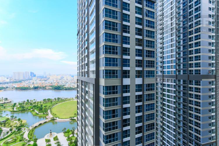 View Căn hộ Vinhomes Central Park 2 phòng ngủ, tầng cao P6, view sông