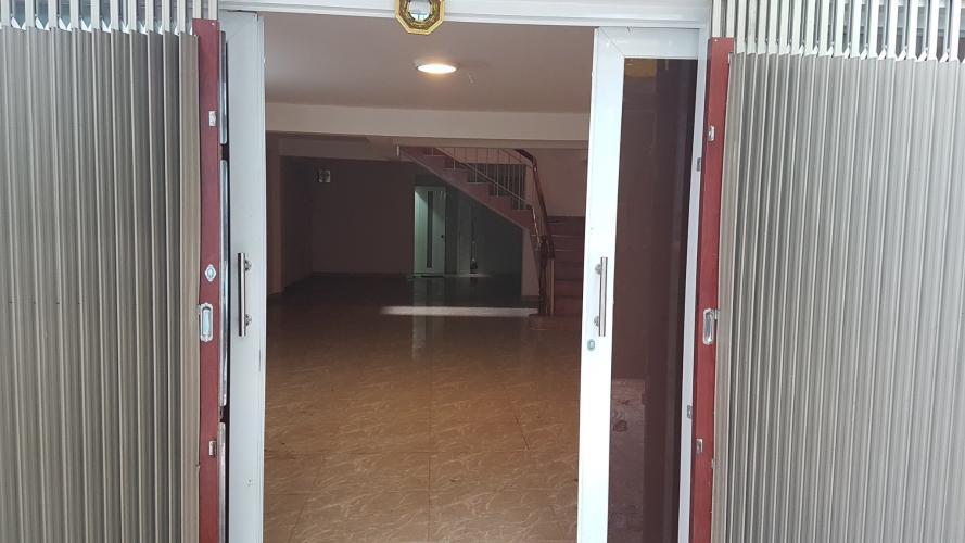 Cho thuê nhà phố nguyên căn mặt tiền đường Võ Huy Tấn, kết cấu 3 tầng, nội thất cơ bản