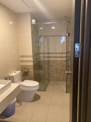 Phòng tắm căn hộ Saigon Royal Căn hộ Saigon Royal nội thất đầy đủ tiện nghi, view nội khu.