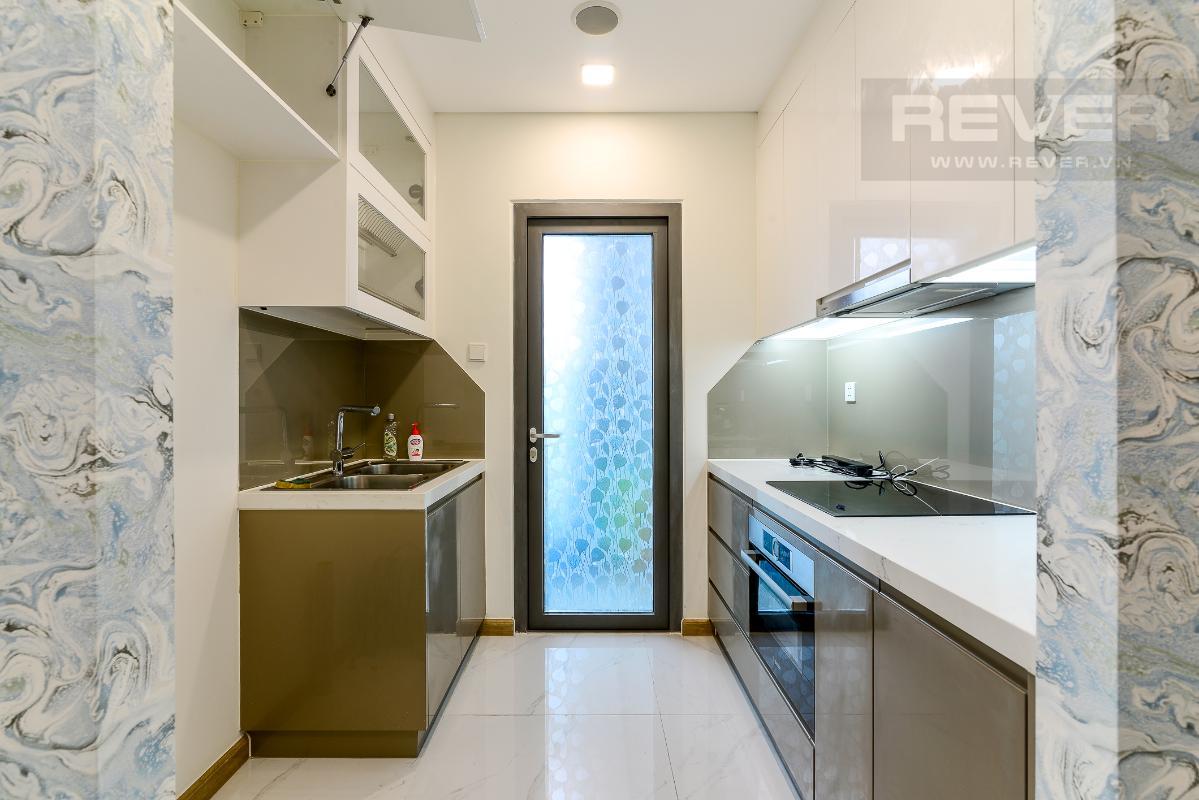 _DSC3996 Cho thuê căn hộ Vinhomes Central Park 2PN, tháp Landmark 81, nội thất cơ bản, là căn góc, view Xa lộ Hà Nội