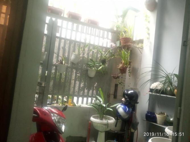 Sân trước nhà phố Gò Vấp Bán nhà 2 tầng hẻm Nguyễn Văn Nghị, Gò Vấp, sổ hồng, cách BigC khoảng 400m