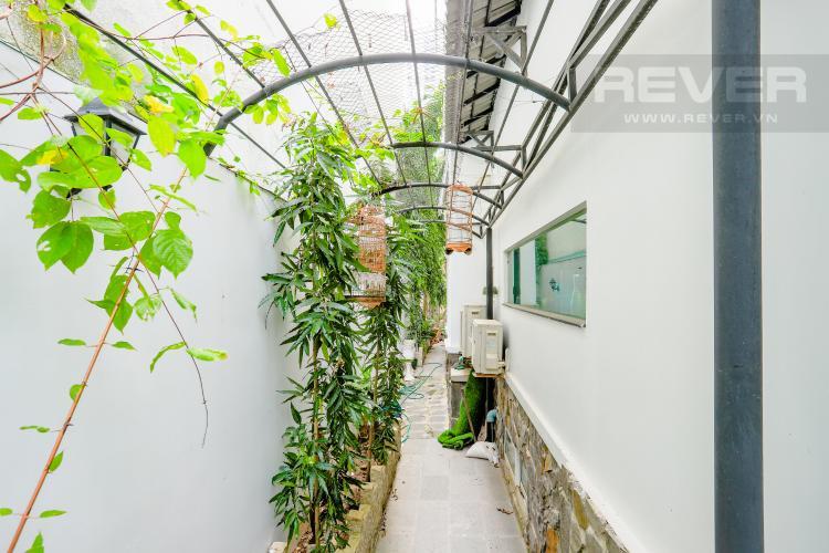Lối Bên Hông Nhà Nhà phố đường Lê Văn Lương, Quận 7, 3 tầng, nội thất đầy đủ, sổ đỏ chính chủ