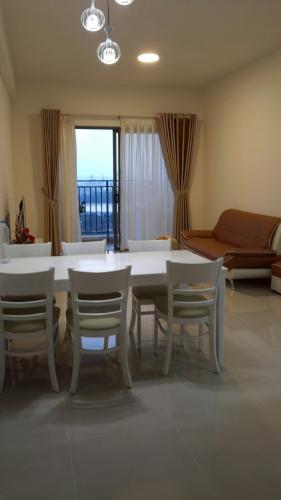 phòng khách căn hộ The Sun Avenue Cho thuê căn hộ tầng trung view sông, nội thất cơ bản The Sun Avenue