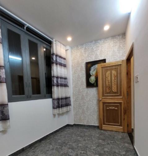 Phòng ngủ nhà phố Nhà phố mới xây 3 mặt tiền diện tích đất 6mx6m, hướng Đông Bắc.