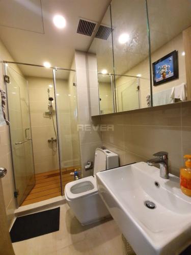 Phòng tắm Golden Mansion, Phú Nhuận Căn hộ Golden Mansion tầng 3, view thành phố thoáng mát.