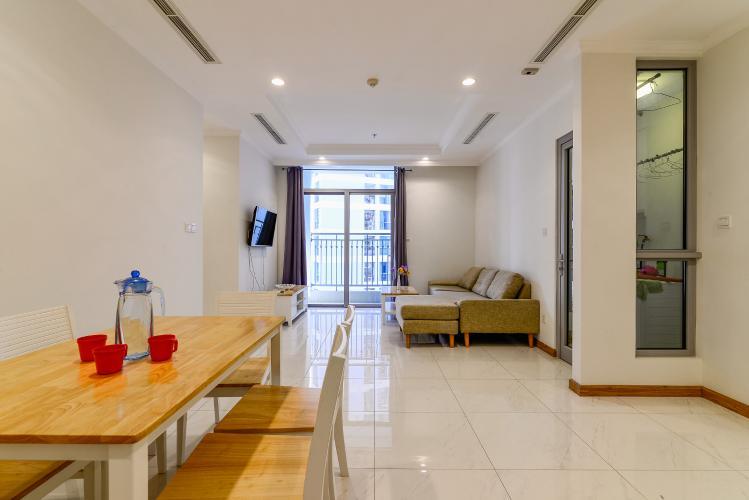 Bán căn hộ Vinhomes Central Park tầng thấp 2 phòng ngủ, đầy đủ nội thất, view nội khu
