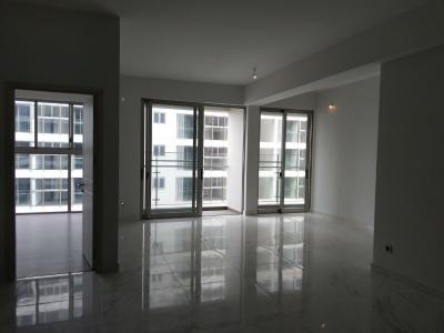 Căn hộ Phú Mỹ Hưng Midtown nội thất cơ bản, view nội khu thoáng mát.