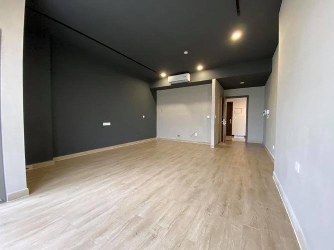 Căn hộ Sunrise Cityview hướng Tây Bắc, nội thất cơ bản sang trọng.