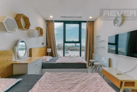 Bán căn hộ Vinhomes Golden River 3PN, tầng 6, đầy đủ nội thất, view sông rộng thoáng