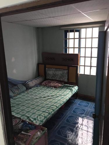 Phòng ngủ nhà phố Thủ Đức Nhà hẻm Quốc Lộ 13, diện tích 5x27.15m, sổ hồng chính chủ.