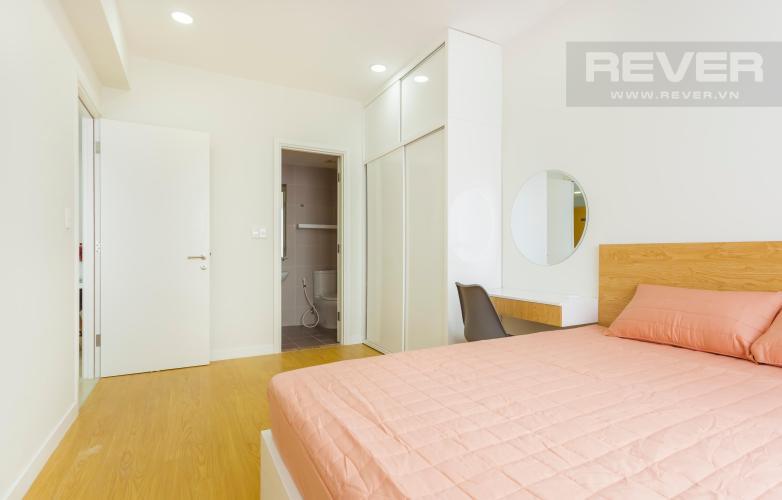 Phòng ngủ lớn có diện tích 14,2m2 Căn hộ Masteri Thảo Điền 2 phòng ngủ tầng trung T3 nội thất đầy đủ