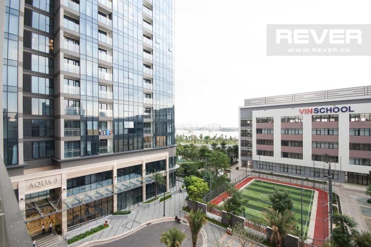 View Bán hoặc cho thuê căn hộ Vinhomes Golden River 3PN, tầng thấp, tháp The Aqua 2, nội thất cơ bản