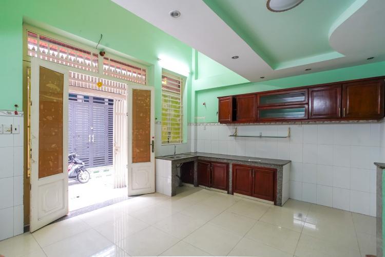 Bán hoặc cho thuê nhà 3 tầng hẻm Đoàn Văn Bơ, Quận 4, thổ cư 35m2, cách cầu Tân Thuận 600m