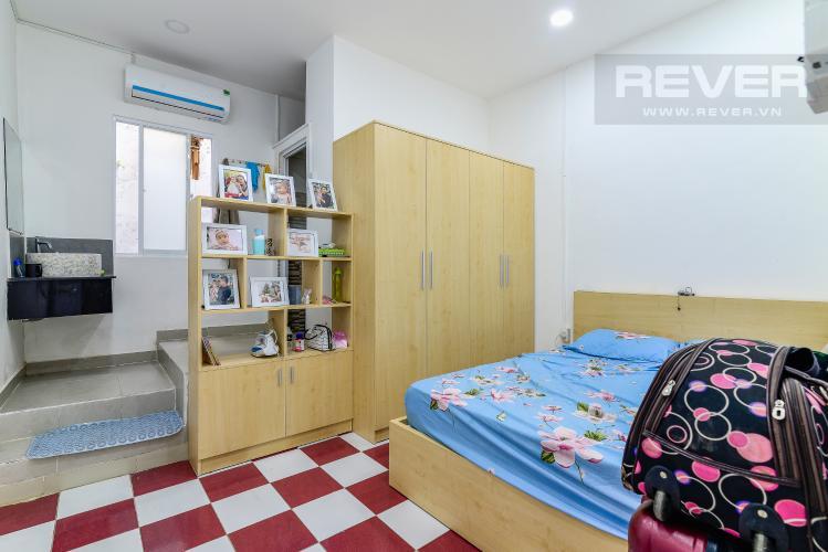 Phòng Ngủ Bán nhà phố Nguyễn Duy sổ đỏ chính chủ, nội thất đầy đủ