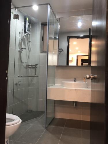 Phòng tắm Happy Residence Căn hộ Happy Residence tầng trung, đầy đủ nội thất.