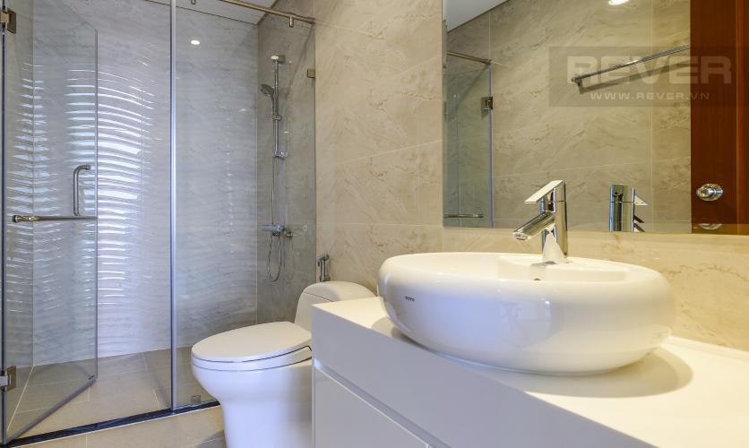 Toilet Vinhomes Central Park Căn hộ Vinhomes Central Park tầng cao, hướng Tây Bắc view thành phố.
