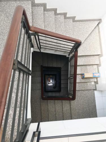 Cầu thang nhà phố Thủ Đức Bán nhà đường số 13, Bình Chiểu, Thủ Đức, sổ hồng, cách QL13 khoảng 300m