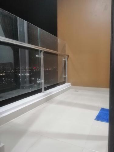 ban công căn hộ mizuki park Căn hộ Mizuki Park tầng cao, bàn giao đầy đủ nội thất.