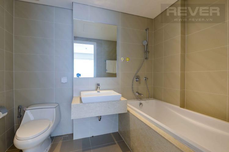Toilet 2 Bán hoặc cho thuê căn hộ Đảo Kim Cương 2 phòng ngủ tháp Hawaii, đầy đủ nội thất, view nội khu đẹp