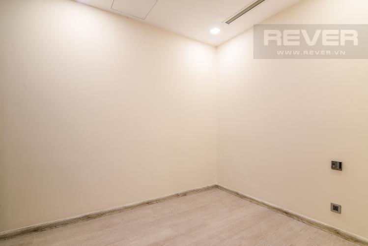 Phòng Ngủ 2 Officetel Vinhomes Golden River 2 phòng ngủ tầng cao A4 hướng Đông Bắc