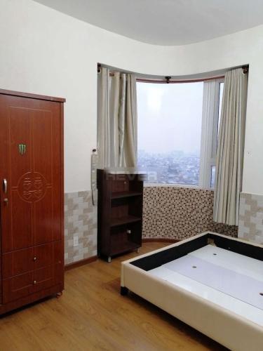 Phòng ngủ căn hộ Âu Cơ Tower, Tân Phú Căn hộ Âu Cơ Tower tầng cao đầy đủ nội thất, view thành phố sầm uất.
