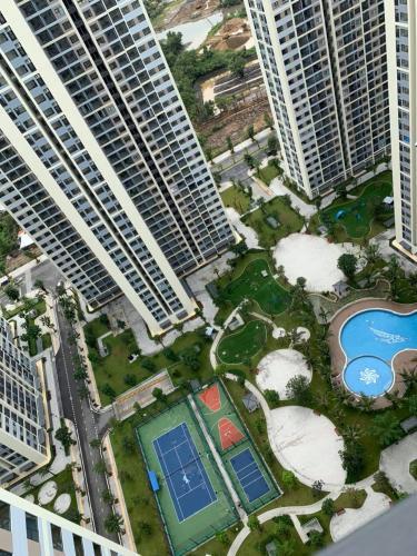 View từ căn hộ Vinhomes Grand Park Căn hộ Vinhomes Grand Park tầng cao view thành phố thoáng mát.