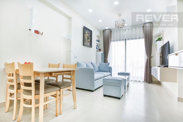 Phòng Khách Căn hộ Masteri Thảo Điền tầng cao T1 sở hữu 2 view đẹp về Quận 1 và sông Sài Gòn
