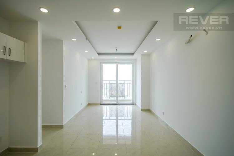 Phòng khách căn hộ SAIGON MIA Bán hoặc cho thuê căn hộ Saigon Mia 3PN, diện tích 83m2, nội thất cơ bản, view đường Nguyễn Văn Linh