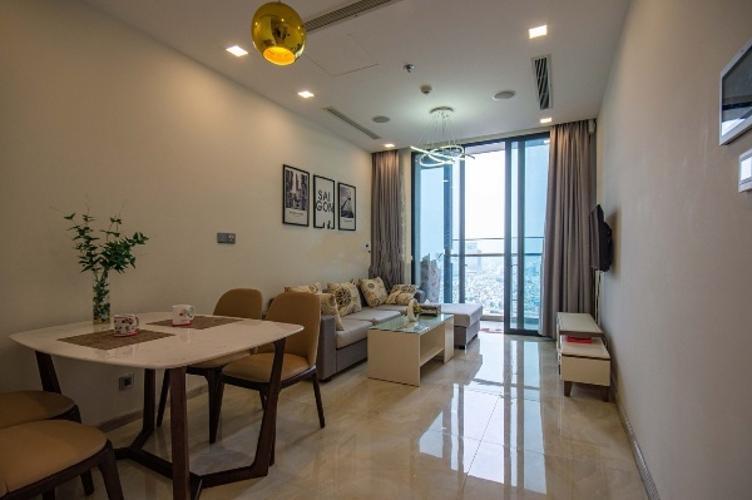 Phòng khách Vinhomes Golden River, Quận 1 Căn hộ Vinhomes Golden River tầng cao, hướng Đông Bắc.