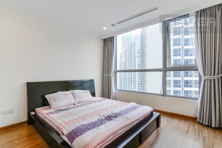 Phòng Ngủ 1 Căn hộ Vinhomes Central Park tầng cao C2, 2 phòng ngủ, nội thất cơ bản