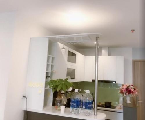 Phòng bếp căn hộ Vinhomes Grand Park Căn hộ Vinhomes Grand Park nội thất đầy đủ, view nội khu thoáng mát.