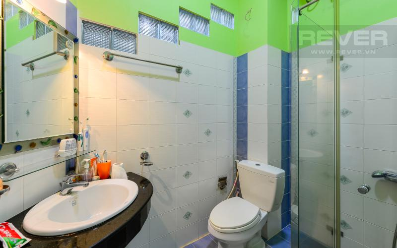 Phòng tắm 2 Nhà phố 3 phòng ngủ mặt tiền Nguyễn Cửu Vân Quận Bình Thạnh